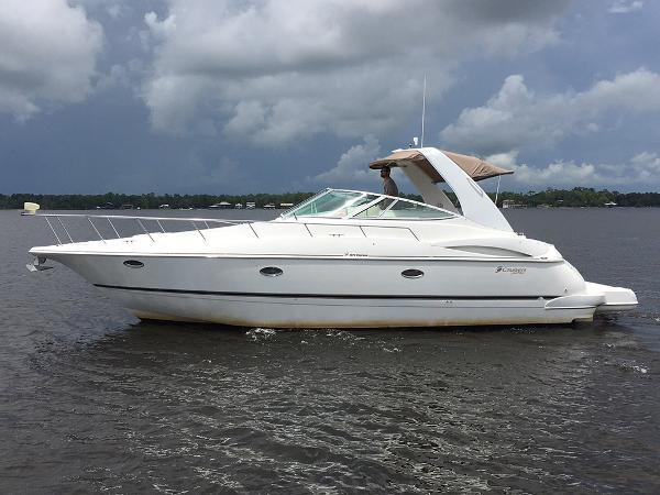 Cruisers Yachts 3672 Express Profile