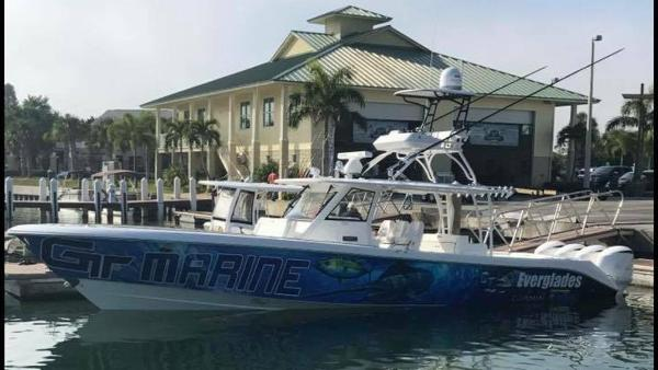Everglades Boats 435 CC