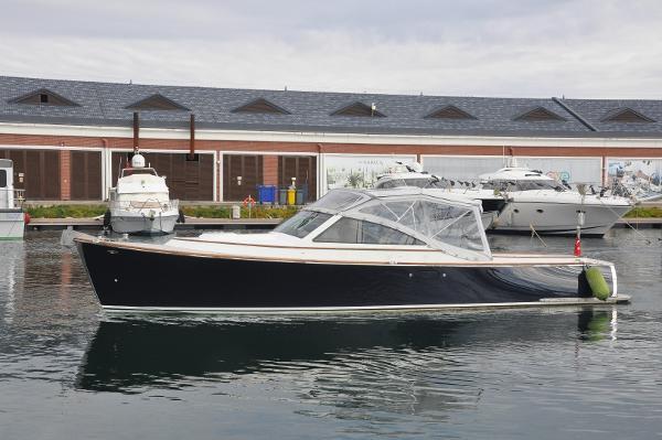 Custom-Craft Hybrid Long Island 33