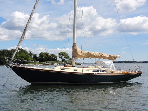Hinckley Bermuda 40 MK III Profile