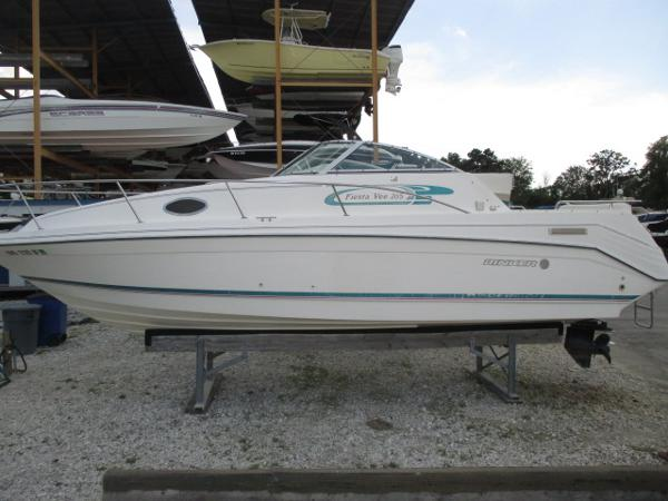 Rinker 265 Fiesta Vee Port View
