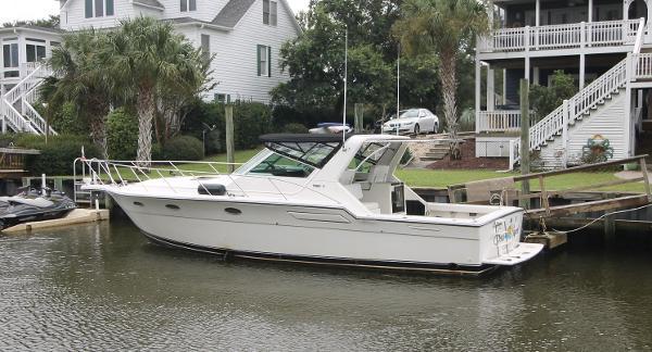 Tiara Yachts 36 Express