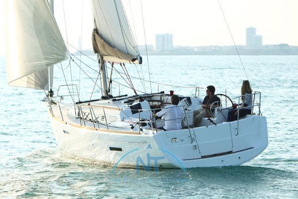 Jeanneau Sun Odyssey 379 boat-379_exterieur_20110706144244