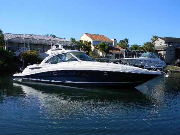 Sea Ray 480 Sundancer Profile