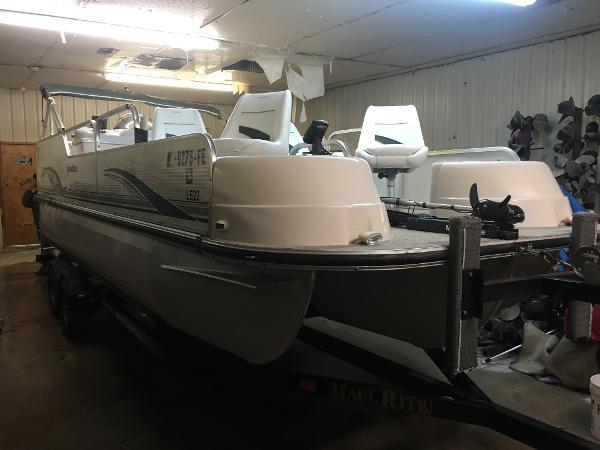 Landau Boat Co 24 Fish & Cruise Tri Toon