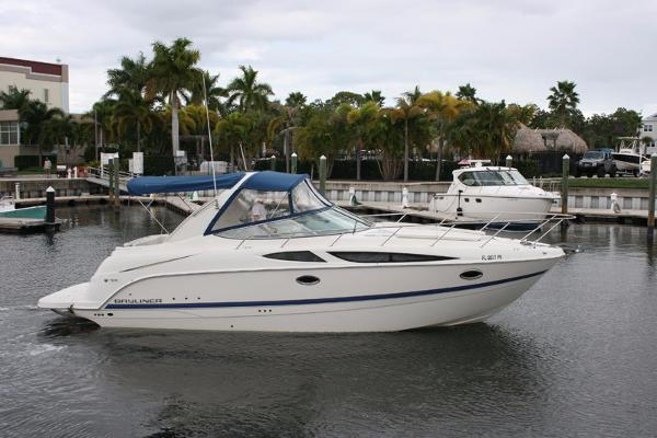 Bayliner 335 Cruiser Profile
