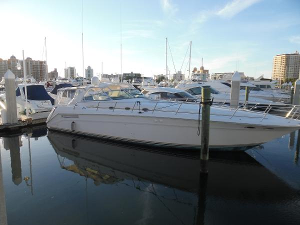 Sea Ray 500 Sundancer Starboard Side at Sunset