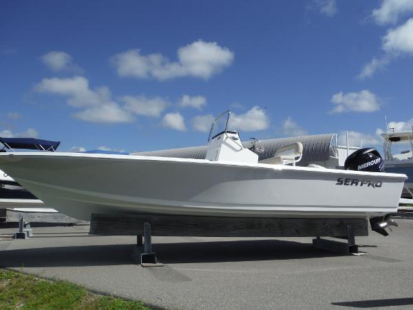 Sea-pro 228 Bay