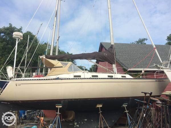 Tartan 33 1981 Tartan 33 for sale in Port Jeff, NY