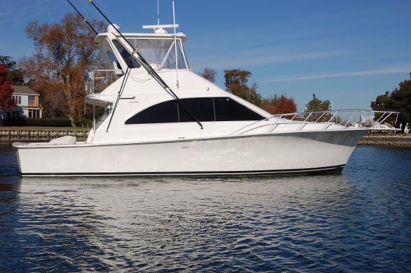 Ocean Yachts 42 Super Sport 42' Ocean Super Sport, stbd beam