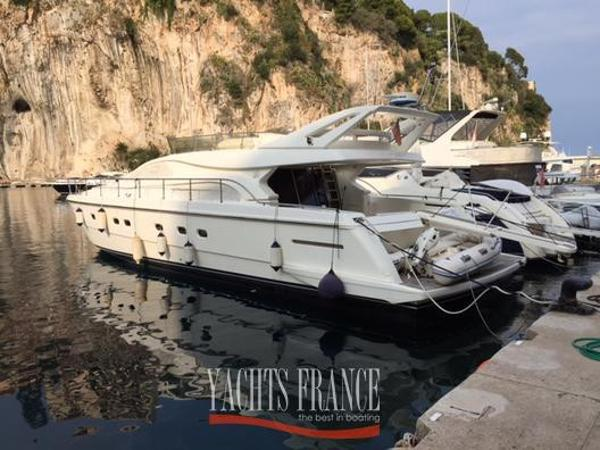Ferretti Yachts 57