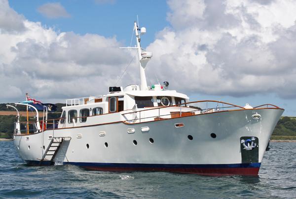 Samuel White TS Gentleman's Motor Yacht