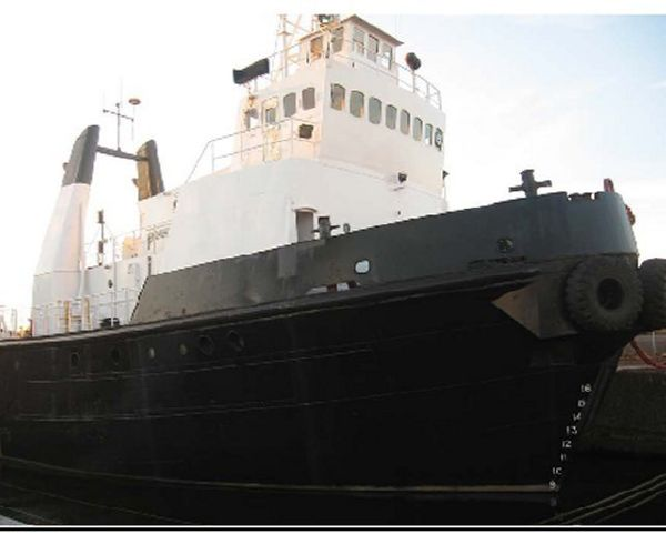 35.81m x 9.48m x 3.75m Steel 3220HP Twin Screw Tugboat /Built in England