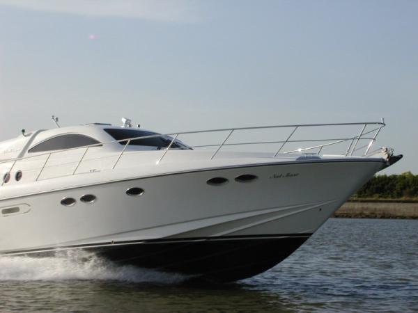 INFINI 48 Sports Cruiser