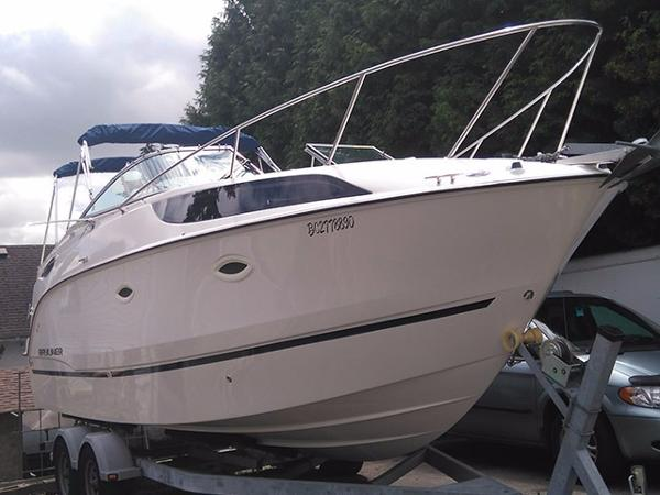 Bayliner 255 Profile