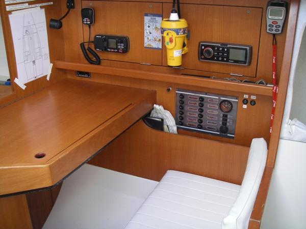 J/111 Chart table