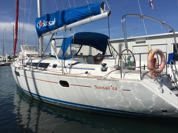 Jeanneau Sun Odyssey 44i Main Yacht View (1)