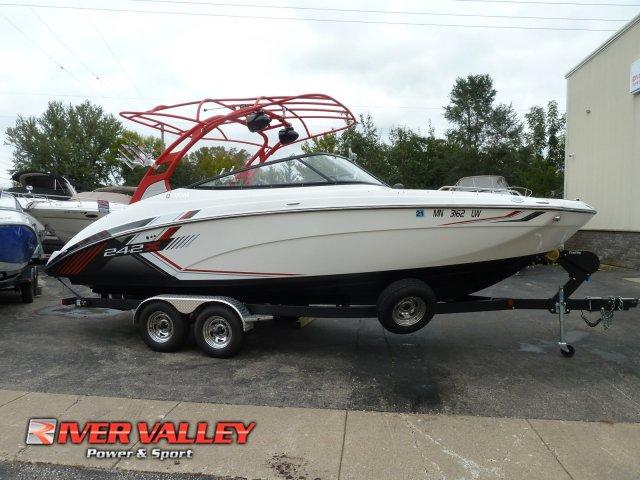 Yamaha Boats 242 X E Series