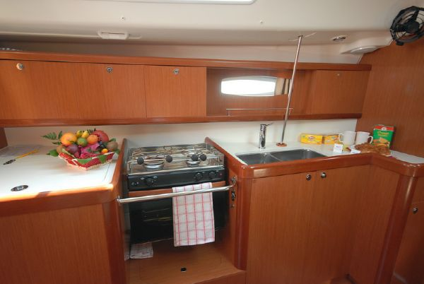 Moorings M43.3 Galley