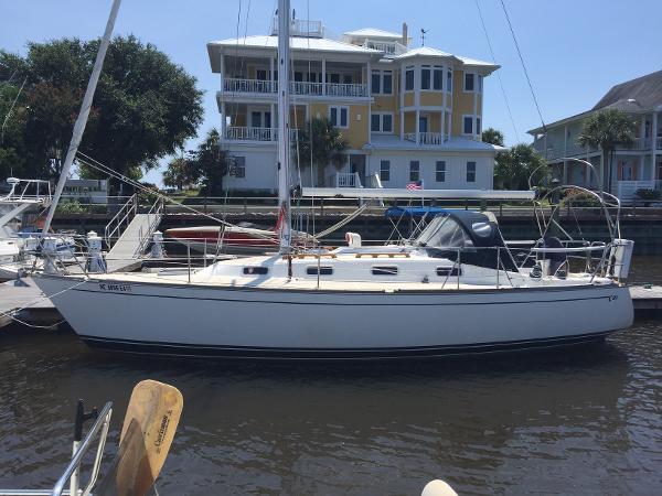 Tartan 31 31' Tartan port profile