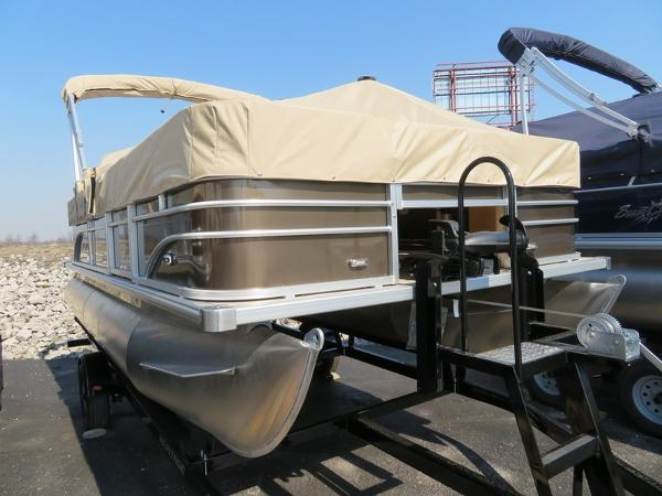 SunChaser Oasis 18 Fish Pontoon