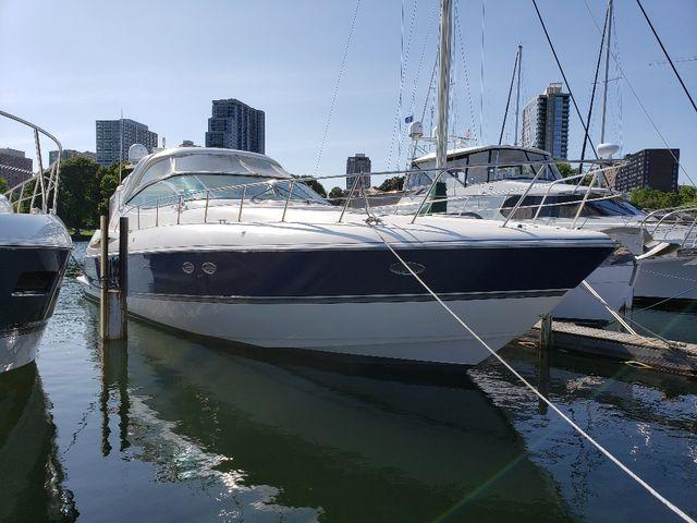 Cruisers Yachts 52 EC