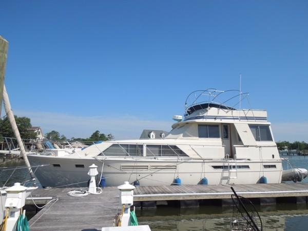Uniflite (Murray Chris Craft) Aft Cabin Motor Yacht