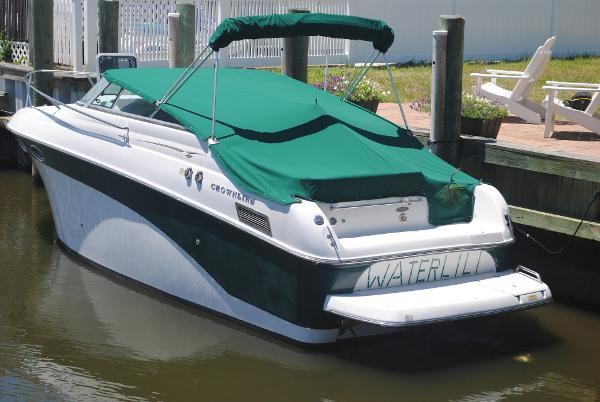 Crownline 242 CR Port View
