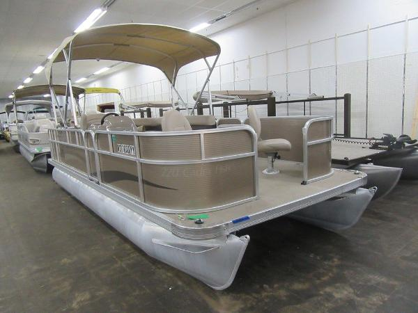 Weeres Pontoons Cadet Cruise 220 Fish Package