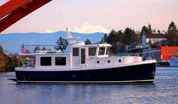 American Tug 395 Hull #09  Factory Direct  Beautiful boat