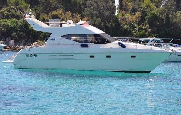 Azimut 40 FLY AZIMUT 40 FLY seven yachts