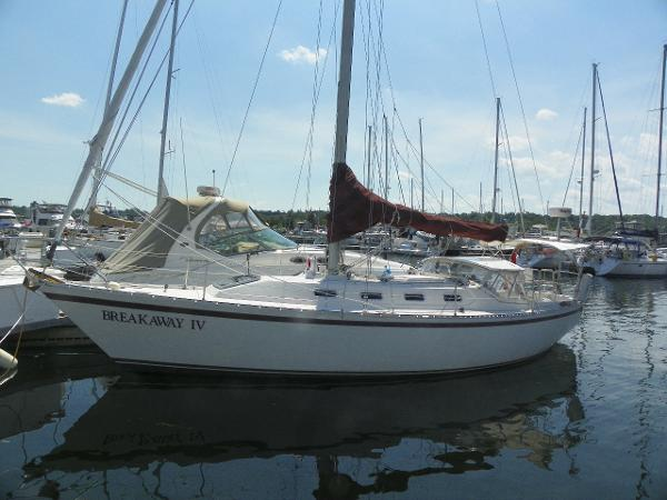 Canadian Sailcraft 36 dockside