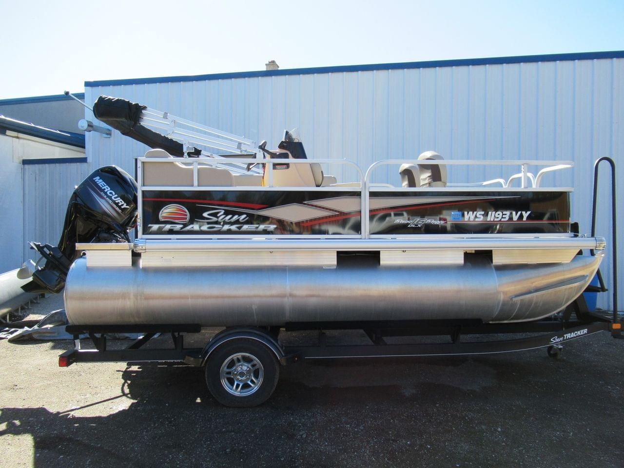 Sun Tracker Bass Buggy 16dlx
