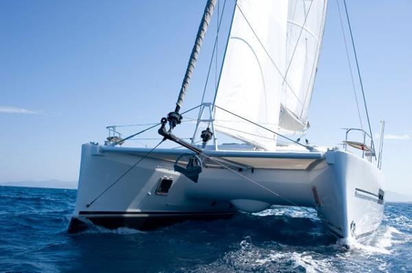 Catana 50 Hull