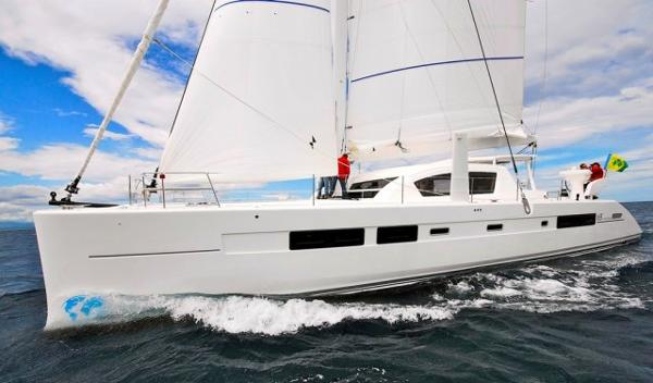 Catana 59 Side VIew