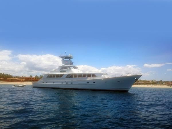 Broward Raised Pilothouse Profile