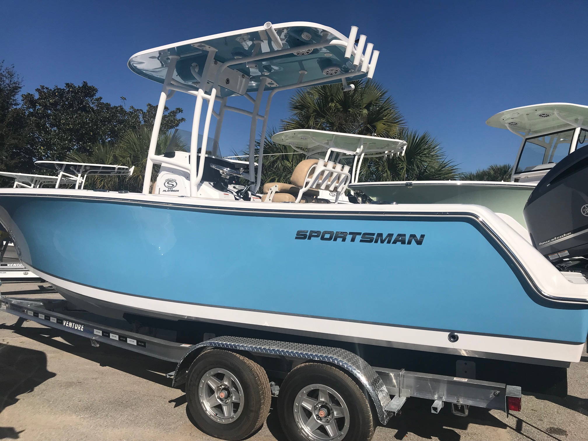 Sportsman Boats Heritage 231 Center Console