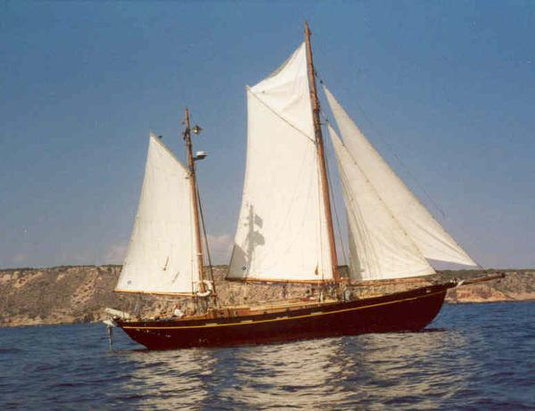Pacifique under sail