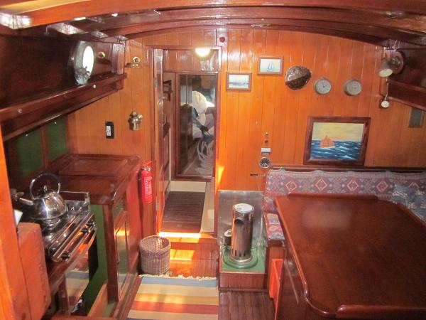 Steel Gaff-rigged Ketch - Salon