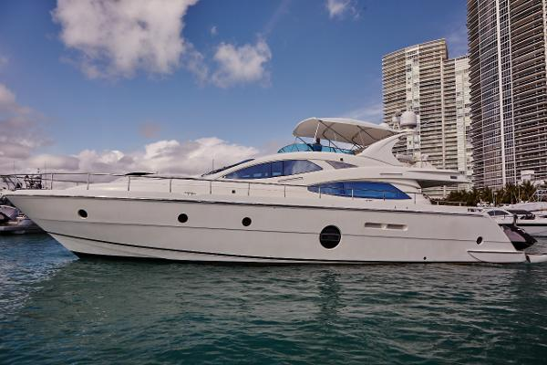 Aicon Yachts Flybridge