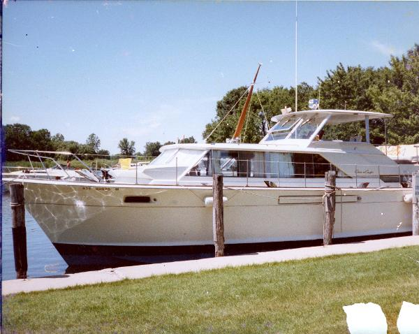 Chris-Craft 42 Commander Motor Yacht