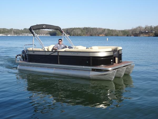Crest Pontoon Boats II 230