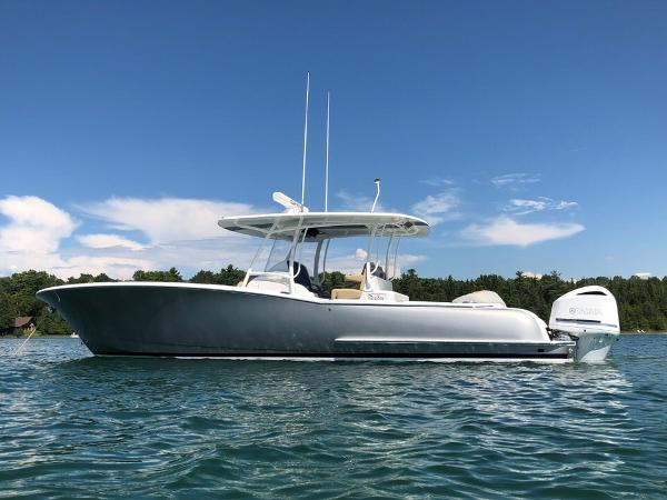 Mag Bay 33 Center Console & trailer