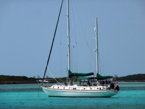 Gulfstar 50 Ketch At anchor in Bahamas