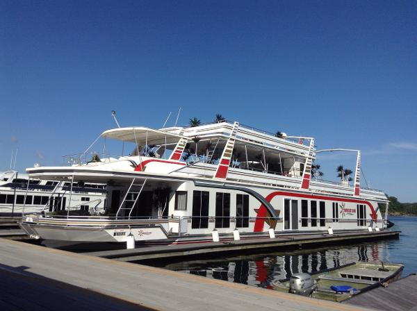 Fantasy Houseboat 21' x 115' Houseboat