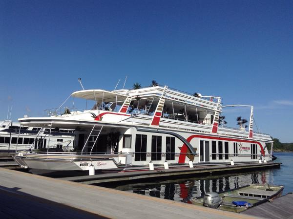 Fantasy 21' x 115' Houseboat