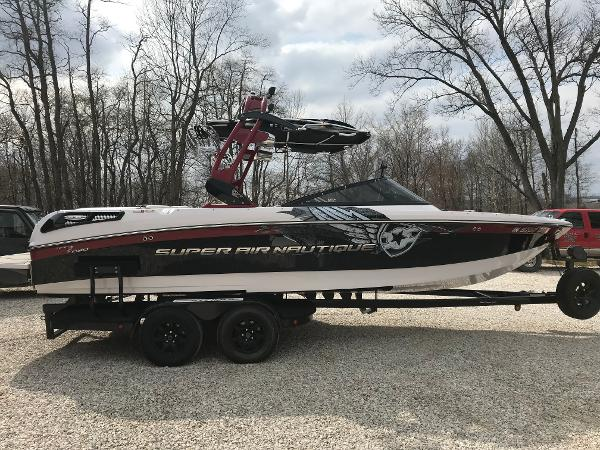 Correct Craft 230 Super Air Nautique