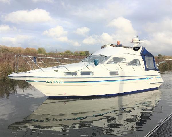 Sealine 320 Statesman Sealine 320 Statesman Racecourse Marina Tingdene Boat Sales