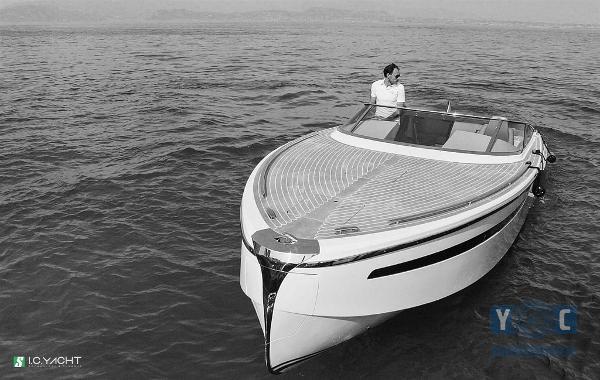 Custom I.C.Yacht Luxury Tender 9.50m Open 07