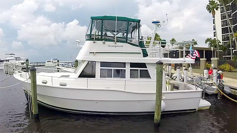 Mainship 390 Trawler Port Profile